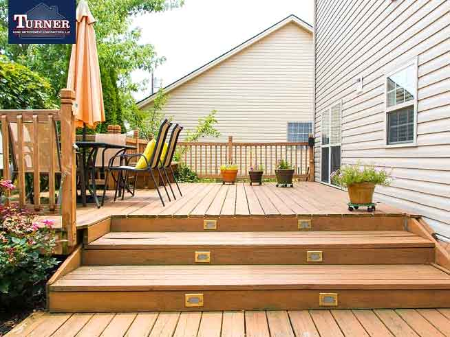5 Factors to Consider When Designing a Deck