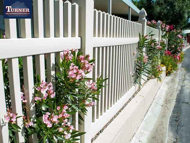 The Latest Design Trends in Fencing Construction